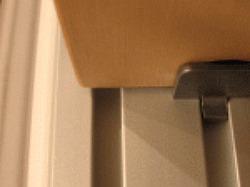 reggipiano-con-ripiano posizionato-mobili-a-misura