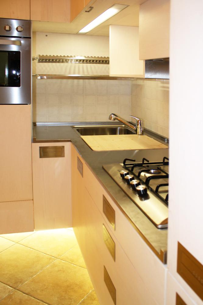 Cool quando per la cucina si dispone di uno spazio ridotto o necessario creare un angolo cucina - Cucine per mansarda ...