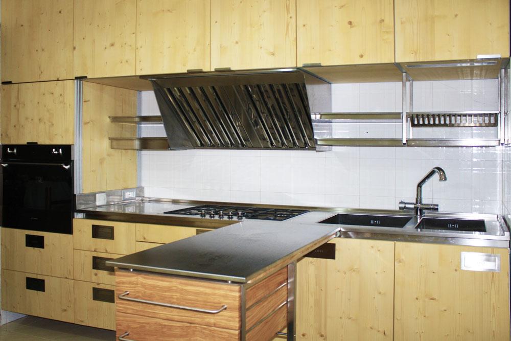 Marcaclac mobili evoluti cucine con piano di lavoro - Carrelli estraibili per cucine ...