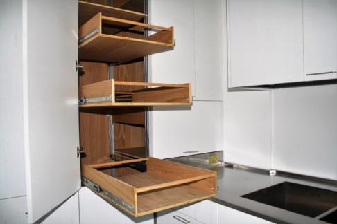 Funzionalità ed ergonomia personalizzate per la cucina su misura