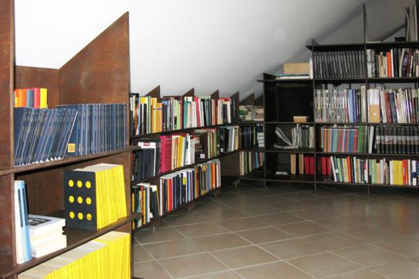 Libreria Biblioteca a carrelli scorrevoli