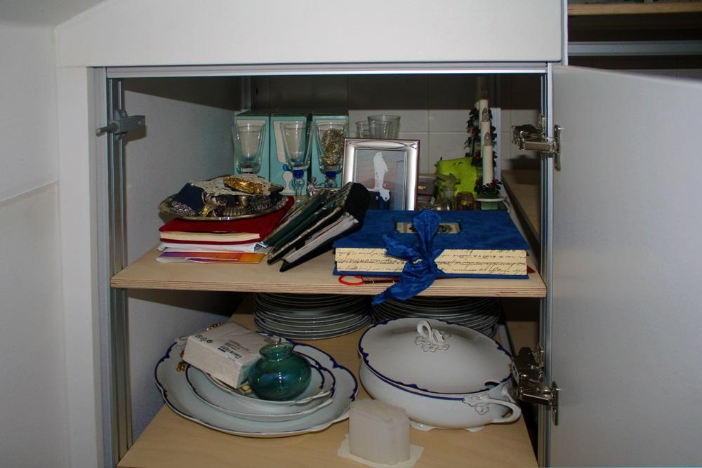 armadio cucina interno