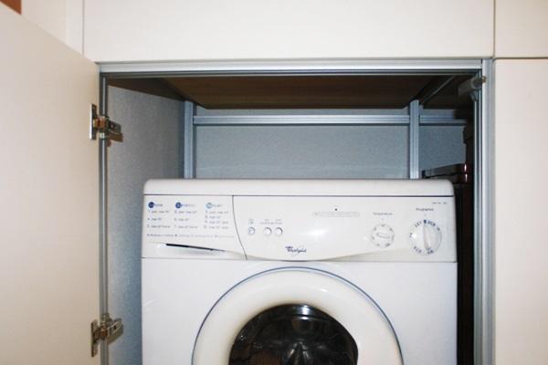 armadio su misura lavanderia antibagno