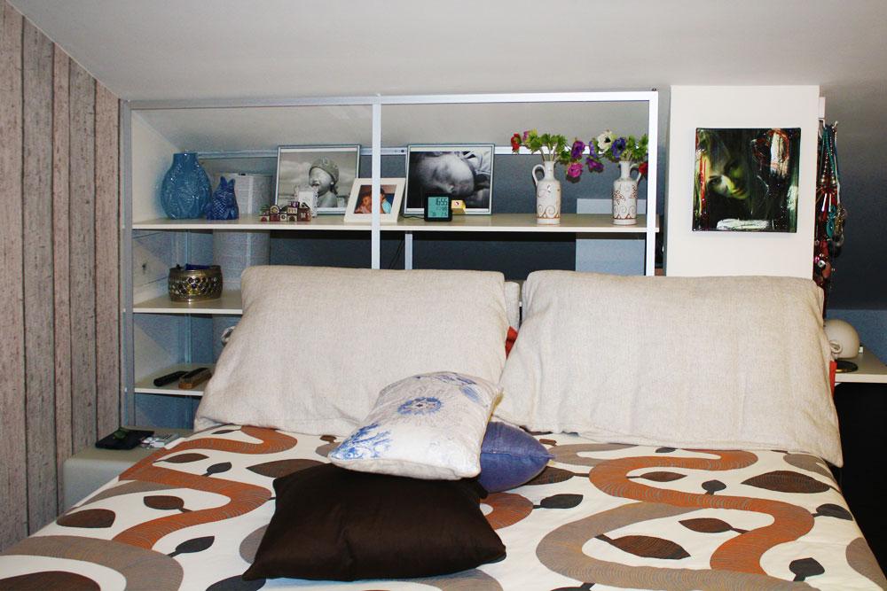 Librerie Dietro Al Divano : Mensole dietro al letto