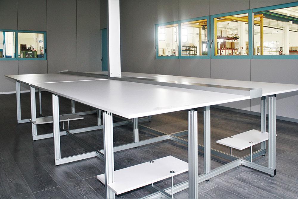Scrivania Ufficio Su Misura : Marcaclac mobili evoluti tavoli su misura marcaclac marcaclac