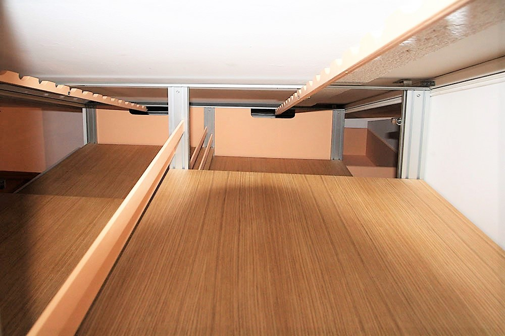 Interno armadio mansarda bifacciale