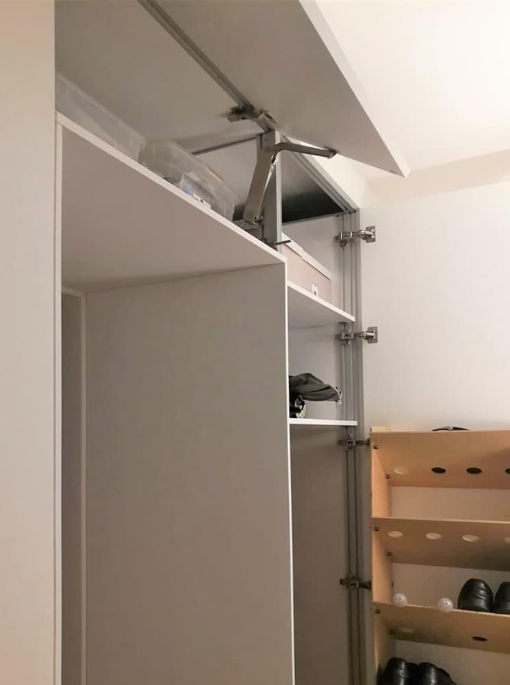 Scarpiera doppia nel vano armadio